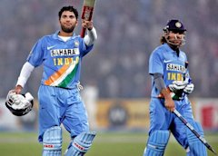 MS Dhoni and Yuvraj Singh after winning the match for India