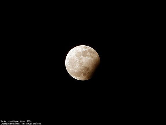 Partial Lunar Eclipse Occurs Thursday: Watch It Live Online