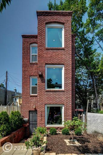 Photo tour: An ultra-narrow house in D.C. exterior straight