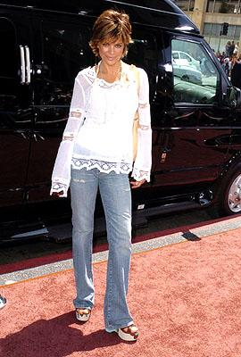 Premiere: Lisa Rinna at the LA premiere of Warner Bros. Pictures' Charlie and the Chocolate Factory - 7/10/2005