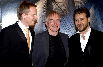 Paul Bettany , Peter Weir and Russell Crowe at the LA premiere of 20th Century Fox's Master and Commander: The Far Side of the World
