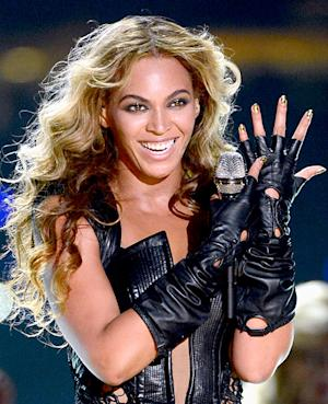 Beyonce's Super Bowl Minx Nail Design: All the Details and Behind the Scene Pictures!