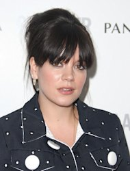 Lily Allen in Twitter abortion debate