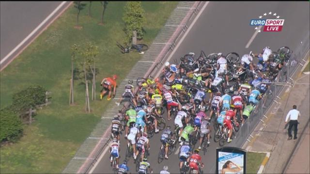 Cycling - Huge crash mars end of stage two in Turkey