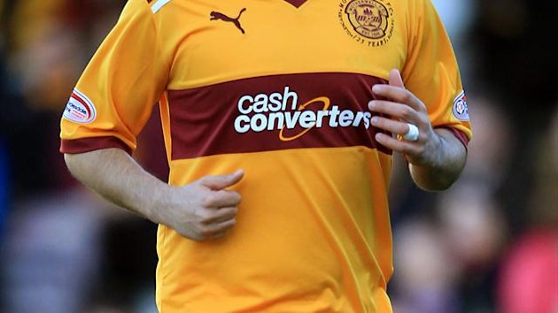 Former Motherwell defender Tim Clancy is hoping to experience a win for Hibernian against Hearts
