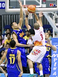 Japeth Aguilar, seen here in PBA action, is set to be drafted by the Santa Cruz Warriors. (PBA Images)