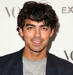 Joe Jonas Joins In With Charity Event 'Movember'