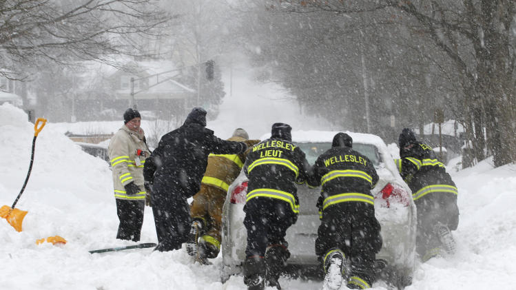 Winter Storm Strikes Massachusetts