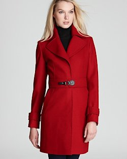 Coat with belt to cinch