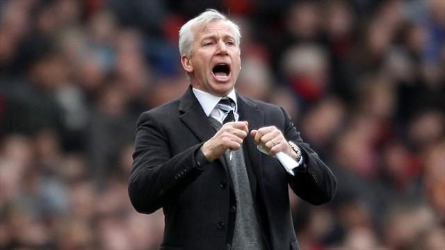 Premier League - Newcastle fans ask Pardew to 'lead by example'