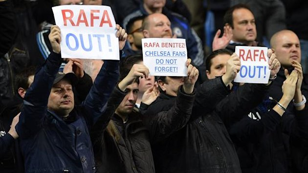 Chelsea fans call for Rafa Benitez's exit (Reuters)