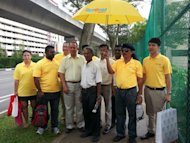 Reform Party secretary-general Kenneth Jeyaretnam with his supporters. (Yahoo! photo)