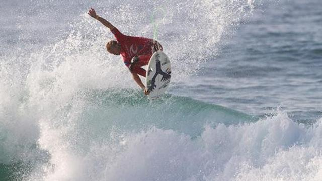 Surfing - Wright wins Breaka Burleigh Pro