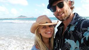 "Jessica Simpson Tweets ""Aloha"" Picture with Fiance Eric Johnson in Hawaii"