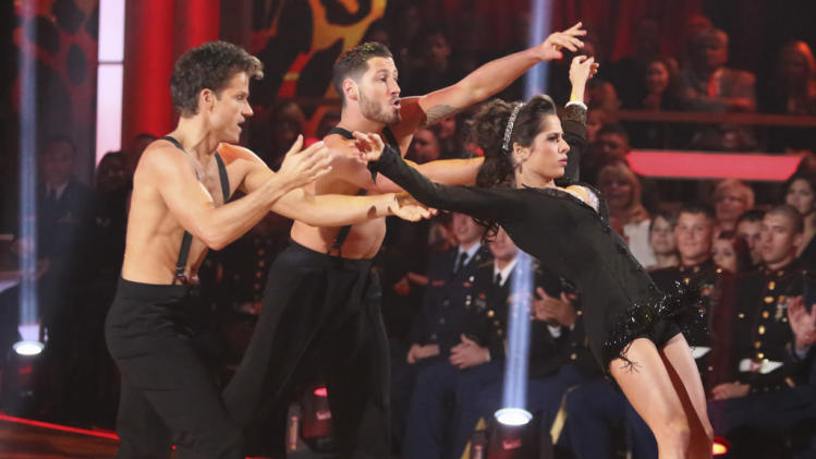 Louis Van Amstel, Valentin Chmerkovskiy and Kelly Monaco (11/12/12)