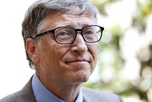 Bill Gates, co-cfounder of the Microsoft company and the Bill and Melinda Gates Foundation, leaves the Hotel Matignon after a meeting with the French Prime Minister in Paris, on June 27, 2014 (AFP Photo/Thomas Samson)