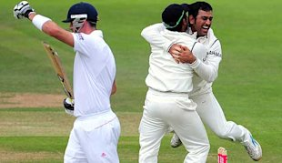 Dhoni thought he had taken his first Test wicket before HotSpot saved Pietersen.