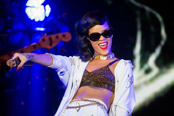 Rihanna '777' Tour, Day 6: In-Flight Surprises After London