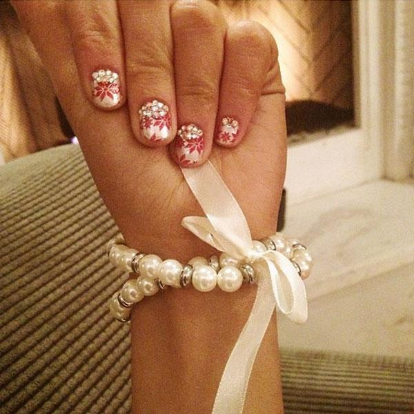 Best Christmas nail art © Arianda Grande / Instagram