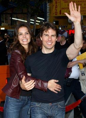 Katie Holmes and Tom Cruise at the Los Angeles fan screening of Paramount Pictures' War of the Worlds