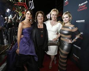 "Lewis, Martindale, Streep and Breslin pose at the premiere of ""August: Osage County"" in Los Angeles"