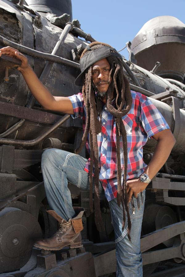 Steel Pulse Celebrate Obama in 'Paint It Black' - Song Premiere