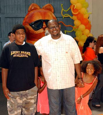 Premiere: Forest Whitaker and kids at the L.A. premiere of Twentieth Century Fox's Garfield - 6/6/2004