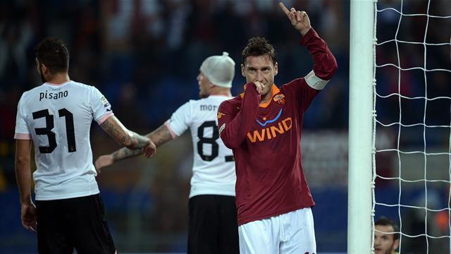 Serie A - Roma sweat on Totti but De Rossi returns for derby