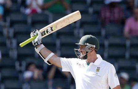 South Africa's Graeme Smith celebrates his fifty during the second day of their first cricket test match against Pakistan in Johannesburg
