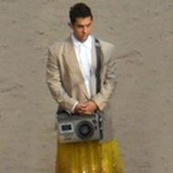 Aamir Khan Spotted Sporting A Skirt!