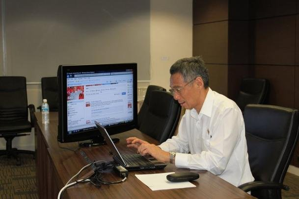 Prime Minister Lee Hsien Loong taps on social media for the GE. (Screengrab from Facebook)