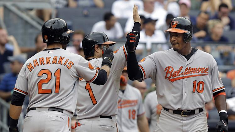 Hardy, Jones homer in big 7th, Orioles bop Yankees