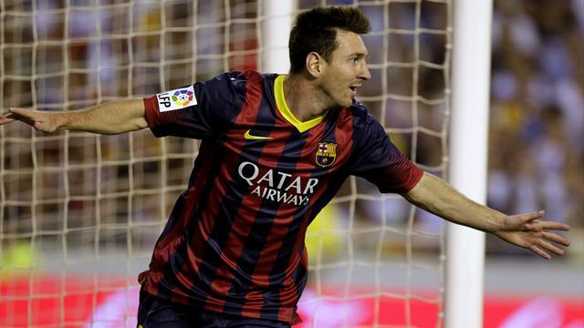 Liga - Messi injured as Barcelona beat Almeria