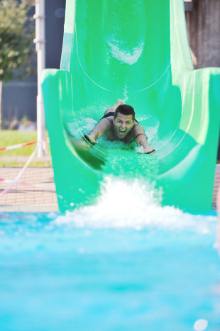 12 Tips to a Create a User Focused Conversion Funnel Your Audience Will Zoom Through! image photodune 1856292 water slide fun on outdoor pool s