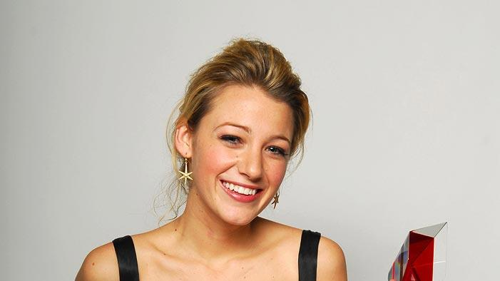 "Blake Lively , winner Breakthrough Award for ""Accepted"" at the Hollywood Life's Breakthrough of the Year Awards -  12/10/2007"