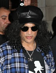 Slash embarrassed by naked Bowie confession