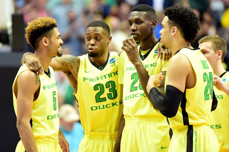 Oregon returns five of its top seven scorers from last year's Pac-12 champs. (Getty Images)