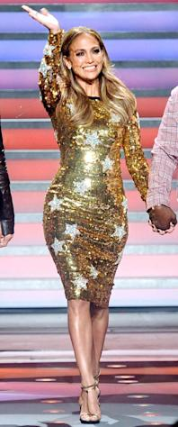 Jennifer Lopez Stuns in Dazzling Gold Dress on American Idol