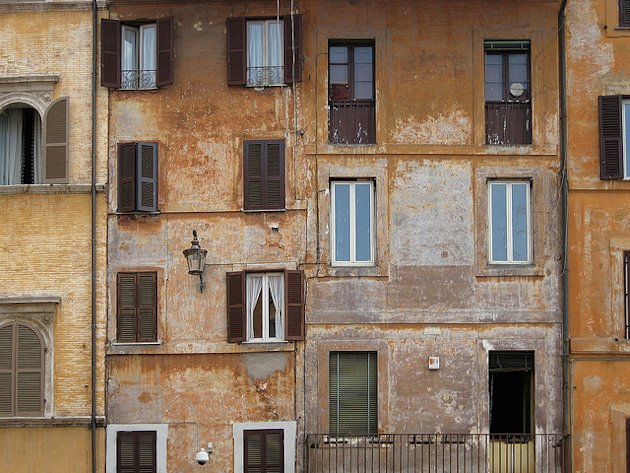 Apartments near the Pantheon in Rome. (Photo: black2sugars / Flickr)