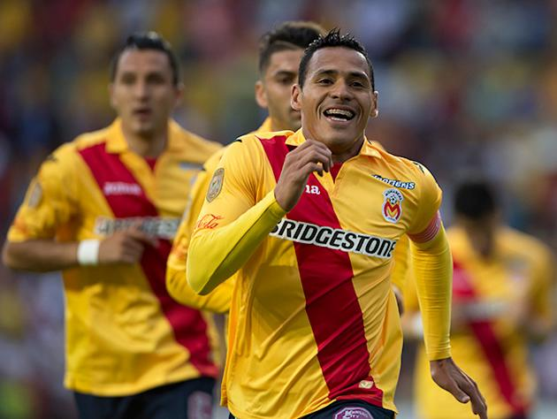 Monarcas exhibe a una Máquina defensivamente descarrilada