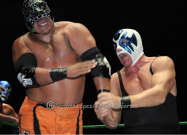 Campeonato-Mundial-de-Parejas--Mr--Niebla-vs-Atlantis