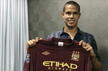 Rodwell relishing 'once in a lifetime' opportunity at Manchester City