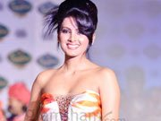 Geeta Basra makes her comeback with Arshad and Soha