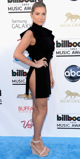 Kesha at Billboard Music Awards 2013