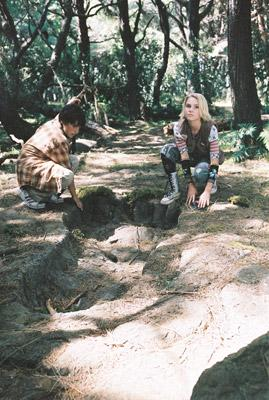 Josh Hutcherson and AnnaSophia Robb in Walt Disney Pictures' Bridge to Terabithia