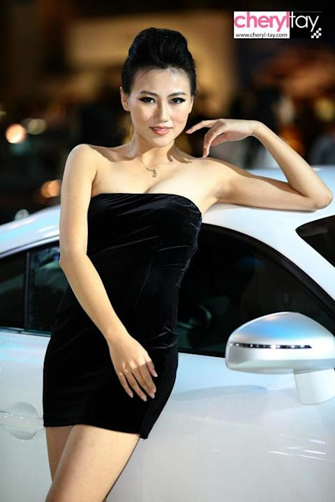 Audi model (Yahoo! photo/ Cheryl Tay)