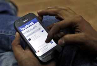 Users From India, Brazil Fuel Facebooks Growth On Web And Mobile For Q2 2013 image facebook mobile growth India