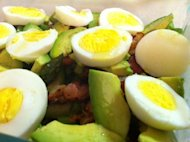 Avocado-breakfast salad
