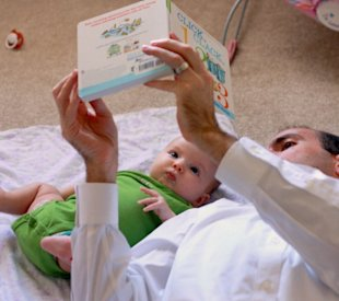 13 ways to make reading fun with your little one!