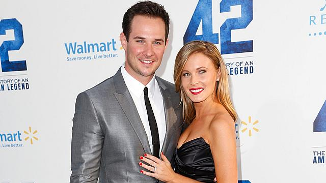 'Pretty Little Liars' Star Ryan Merriman Engaged